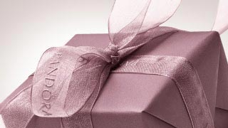 Gift Card for Jewellery - Find the Perfect Gift | PANDORA